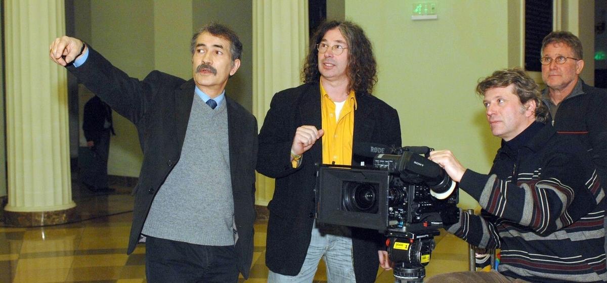 Nagy György szerkesztő-műsorvezető munka közben