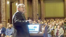 prof. dr. Fábián István - fotó: MTA.hu