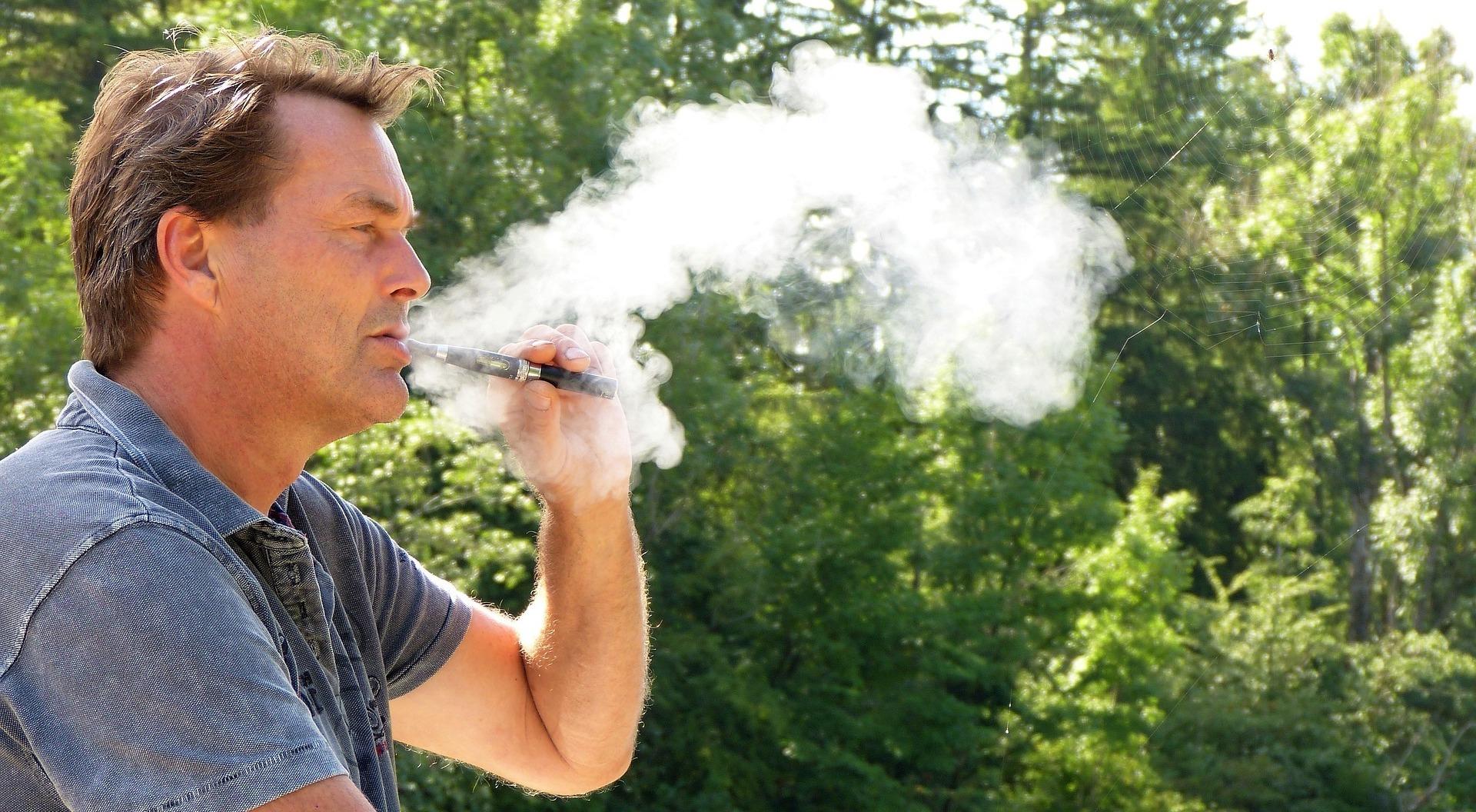 káros-e a cigaretta dohányzása)